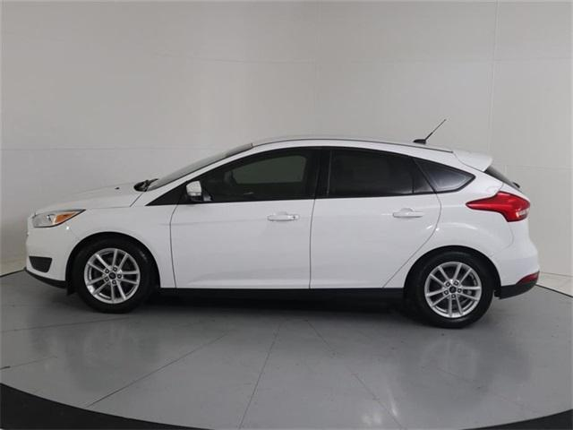 Pre-Owned 2016 Ford Focus 5dr HB SE